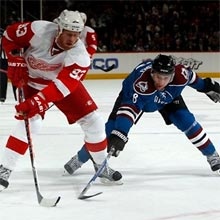 Detroit Red Wings Beat Colorado Avalanche 3-2, Monday.